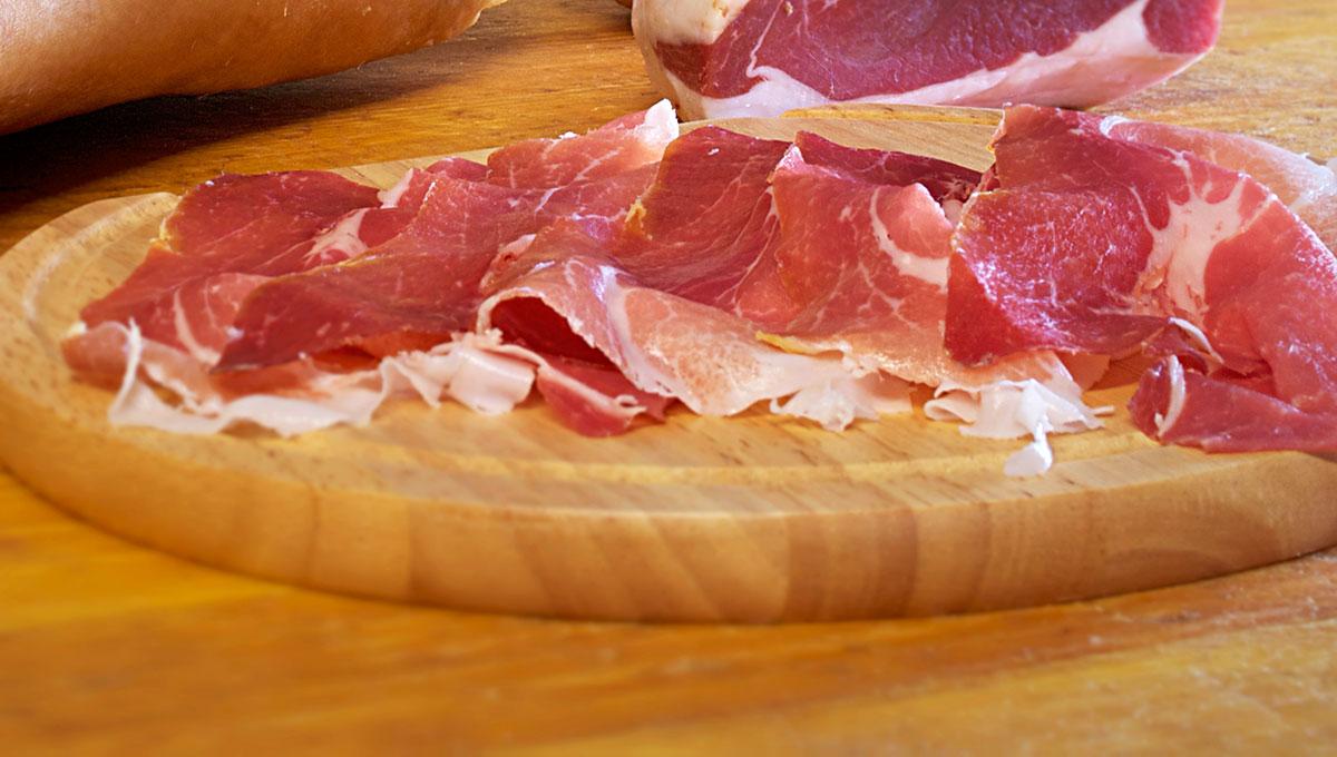 Il Caseificio La Madonnina vende Prosciutto Crudo di Parma di ottima qualità.