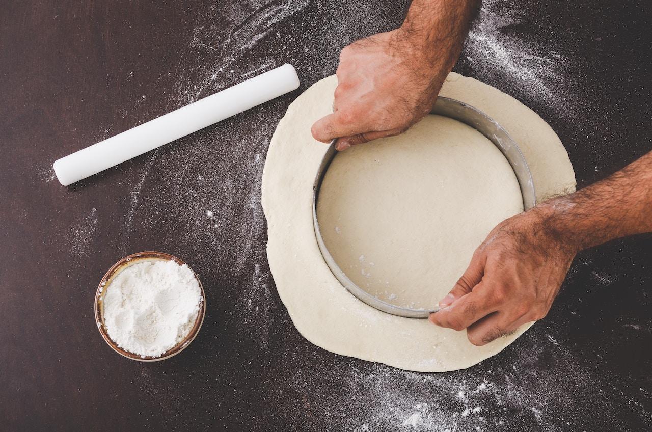 Nell'ultimo articolo del Magazine del Caseificio La Madonnina ti spieghiamo una ricetta per Carnevale: le chiacchere salate al Parmigiano Reggiano.